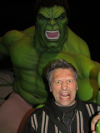 un homme en colère
